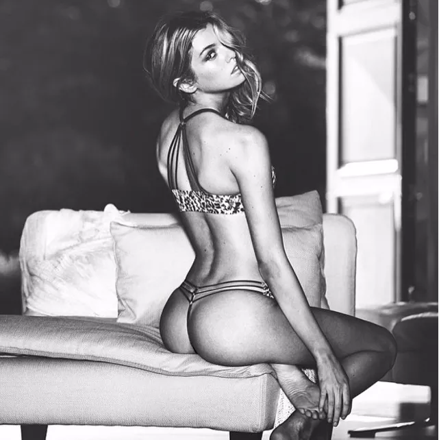 Stella-Maxwell-instagram-1
