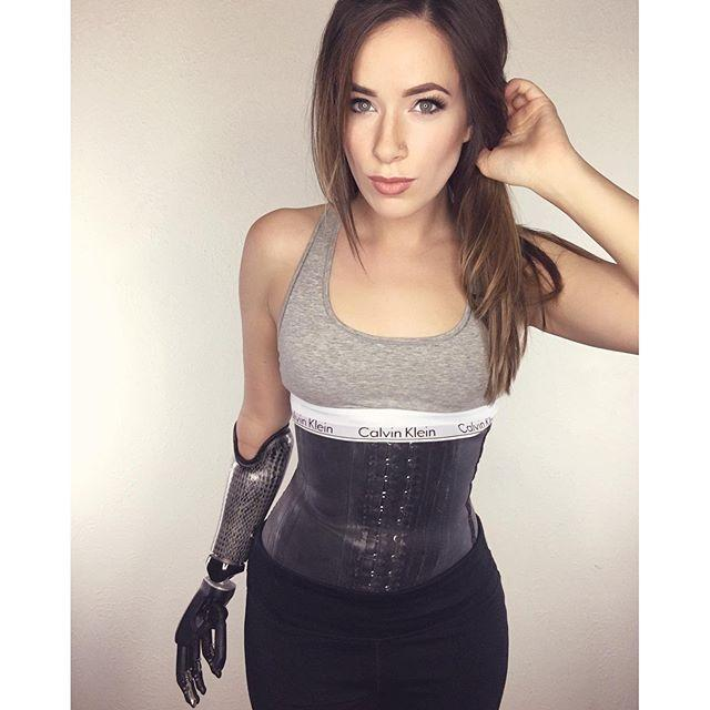 Rebekah-Marine-braccio-bionico-foto-1