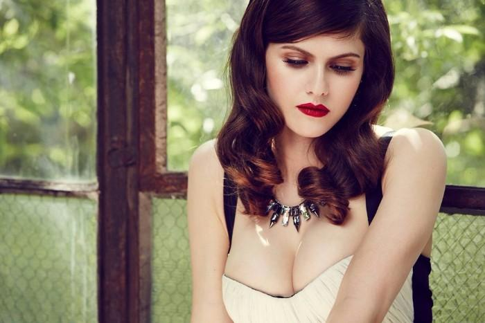 Alexandra_Daddario-sexy-5