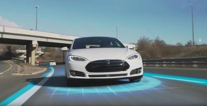 autopilota-Tesla-Model-S-pubblicità
