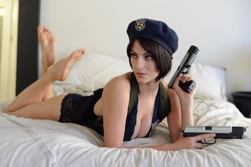 Julia-Voth-cosplay-Jill-Valentine