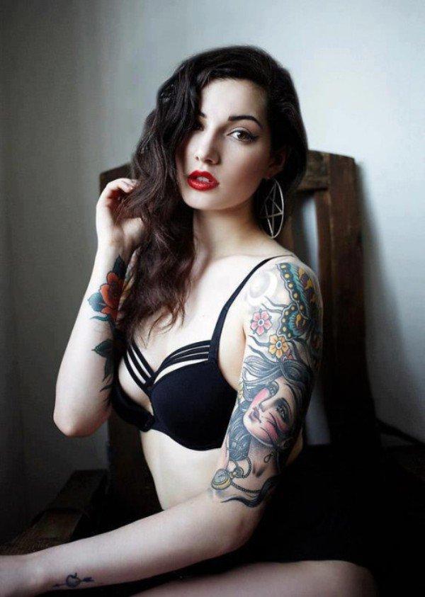 donne-tatuaggi-foto-21
