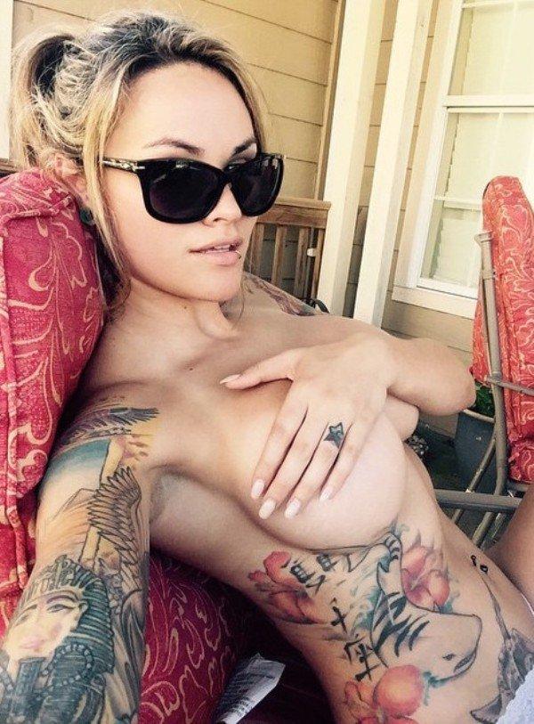 donne-tatuaggi-foto-25