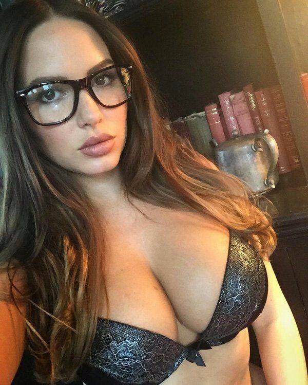 ragazze-occhiali-sexy-3