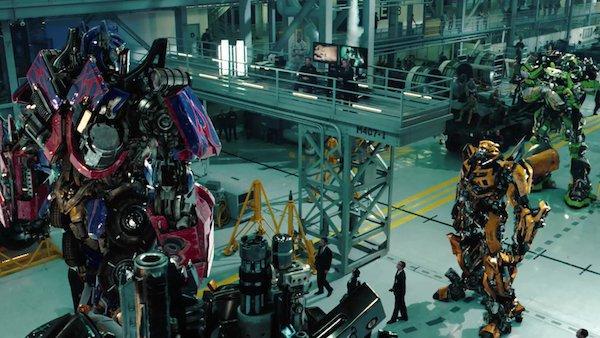 Transformers-Dark_of_the_Moon-2011-oscar