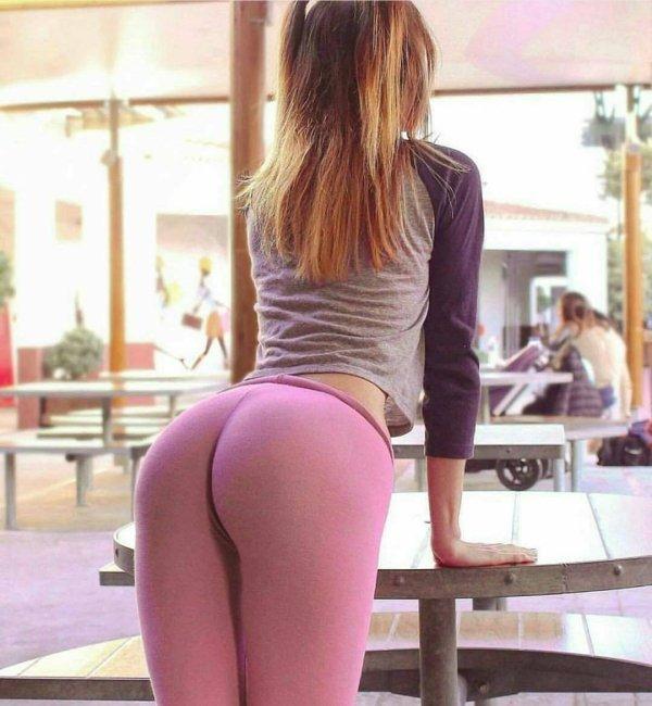 yoga_pants-sexy-12